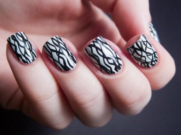 Stylish-Top-15-Black-White-Nail-Art-Designs-Selection-2014-2015-13 (Copy)