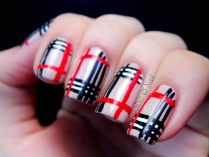Vẽ móng kẻ sọc Polo tuyệt vời với thương hiệu nail Essie