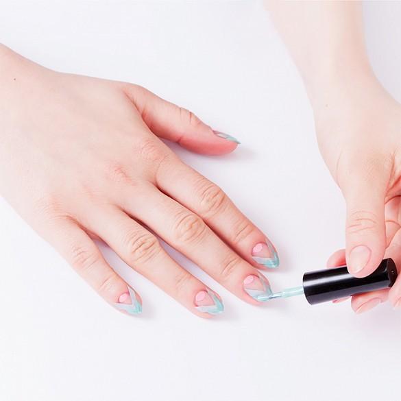 negative space nail