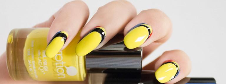 vẽ nail nổi bật sắc vàng