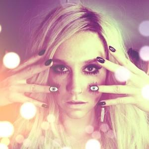 Những Mẫu Móng Nổi Bật Nhất Của Kesha