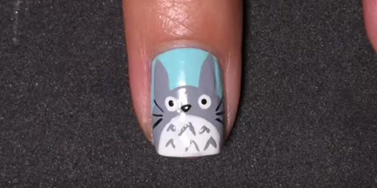 vẽ nail mẫu móng Totoro