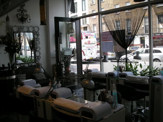 embedded_Vy_Nails_salon_London