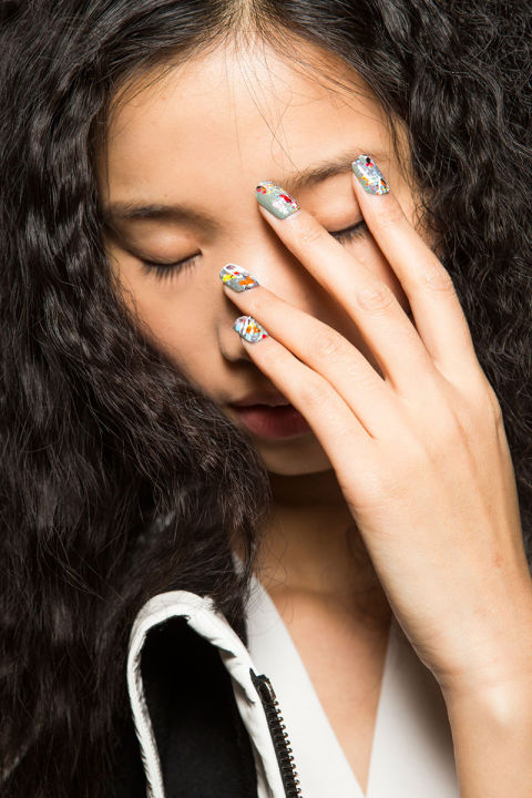 hbz-fw2015-trends-nails-desigual-bks-z-rf15-8707