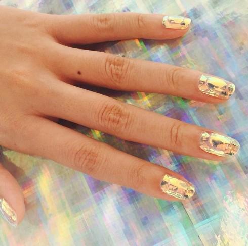 Glass-Nail-Art-3-490x487