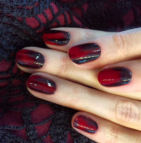 black-red-marble-nail-art