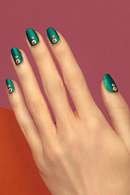 1479154350-shiny-green-nails-paintbox-nails