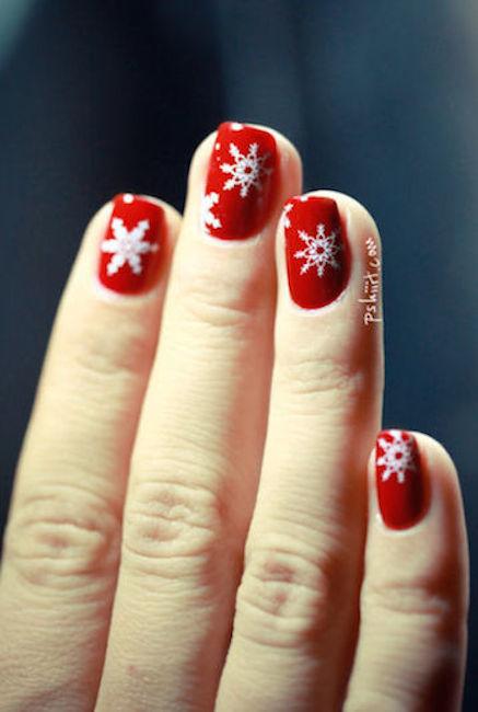 1479157170-christmas-nails-snowflakes