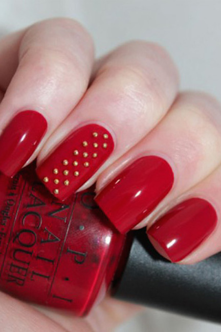 1479157259-red-beads-christmas-nail-art-1