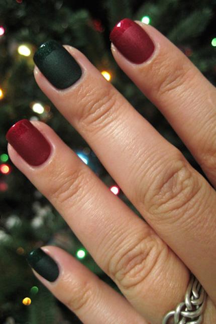 1479157389-red-green-christmas-nail-art-1