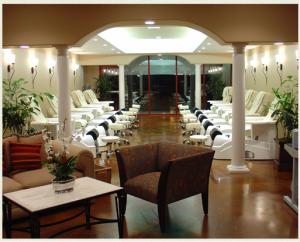 Trải nghiệm salon nail cao cấp tại Bollinger Nail Salon