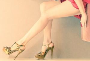 Người Mang Giày Cao Gót và Cách Chăm Sóc Móng Chân